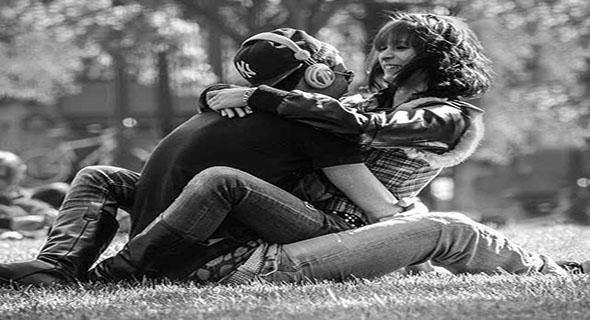 Cara Romantis Pasangan Saat Menidurkan Suaminya