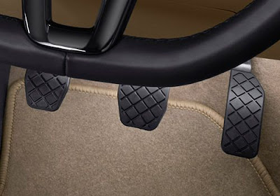 Volkswagen Ameo pedal position
