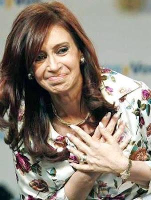 Foto de Cristina Fernández de Kirchner con cabello suelto