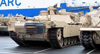 """""""Que se larguen de aquí"""": cómo responden los alemanes a la llegada de los tanques estadounidenses"""