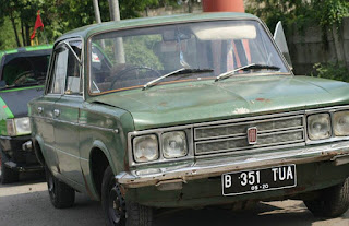 LAPAK MOBIL KLASIK : FIAT 125 SPECIAL - JAKARTA