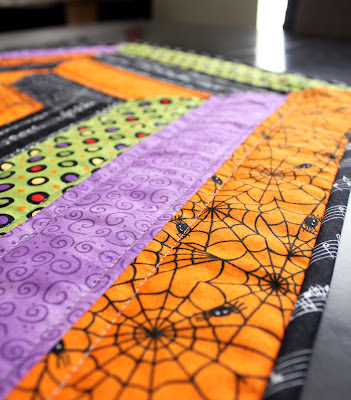 Spiderweb Table Topper quilting