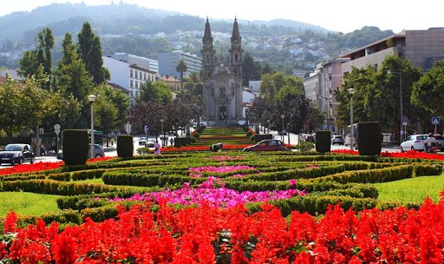 Resultado de imagem para cidade guimaraes portugal
