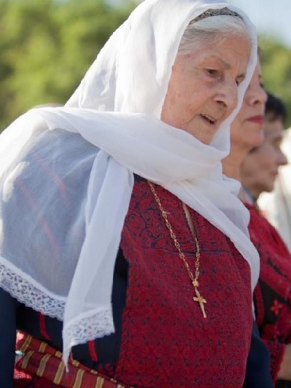 Berjilbab dan Kenakan Salib? Di Palestina Itu Hal Biasa