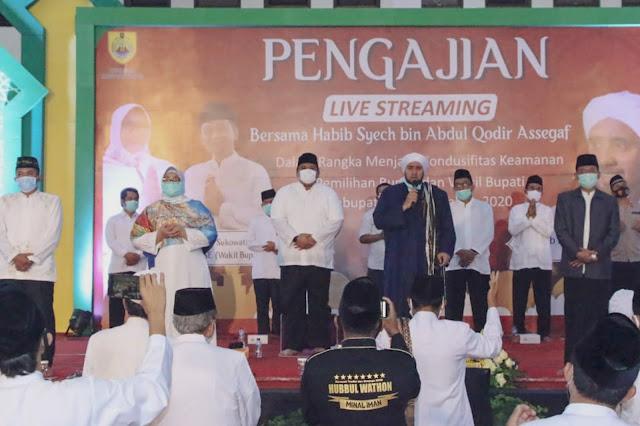 Kusdinar Untung Yuni Sukowati Hadiri Pegajian Bersama Habib Syech bin Abdul Qodir Assegaf di Sragen.lelemuku.com.jpg