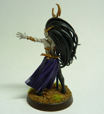 Darkling Coven Sorceress for Warhammer Age of Sigmar