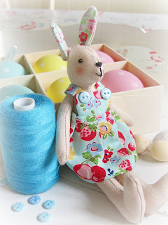 Helen philipps easter time can see she is sitting next to a normal sized spool of sewing cottonthe sugar bunny pattern is in my book pretty patchwork gifts negle Gallery