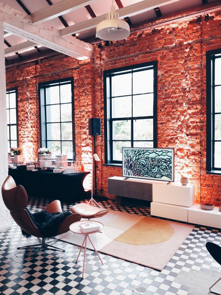 Piękny salon z THE FRAME