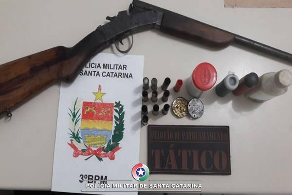 PM de Três Barras apreende espingarda 32 e munições em São João dos Cavalheiros