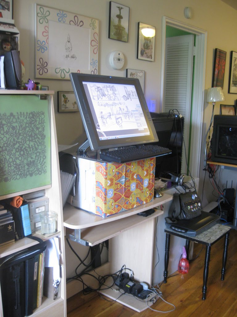 After Much Research I Finally Found A True Standing Desk Where Can Adjust The Keyboard Shelf And Top To Height Need