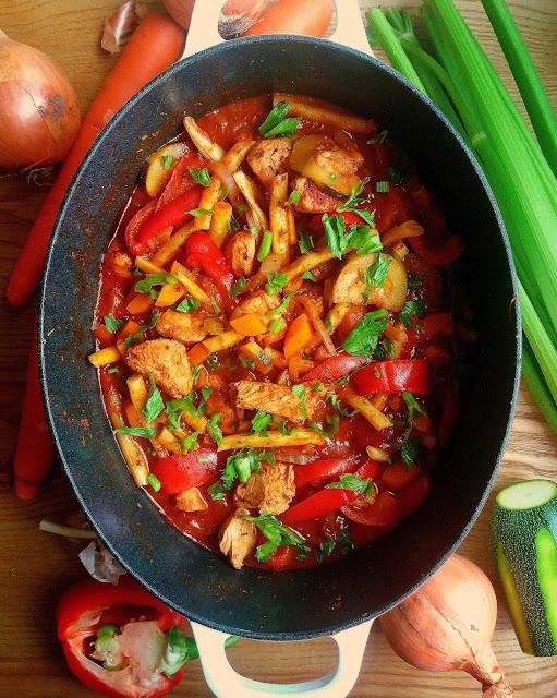 Gulasz z indyka z warzywami / Summer Turkey Vegetable Stew