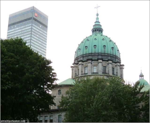 Basílica-Catedral Marie-Reine-du-Monde: Cúpula