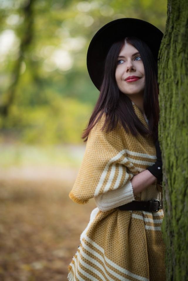 Jesienna stylizacja z kapeluszem