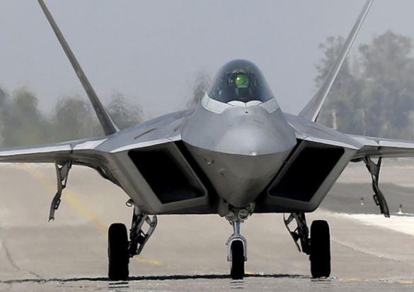 F-22 Raptor specs
