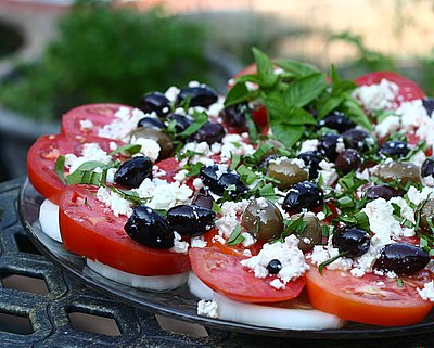 Tomato Platter with Olives & Feta, another easy summer salad ♥ AVeggieVenture.com, small plates to large platters. Weight Watchers Friendly. Gluten Free.