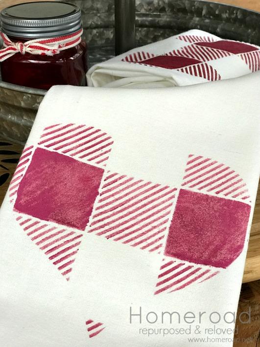 How to make Buffalo Check Heart Valentine Towels. Homeroad.net
