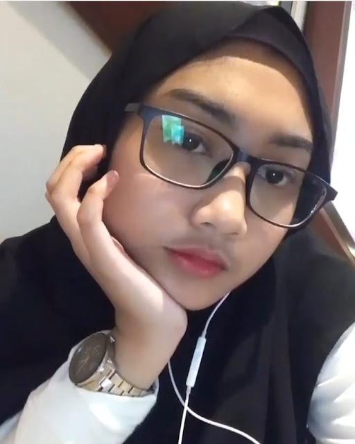 Beautiful Hijaber Charming Heart