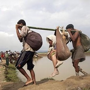 Myanmar, over 400,000 Rohingya fleeing, 60% are children
