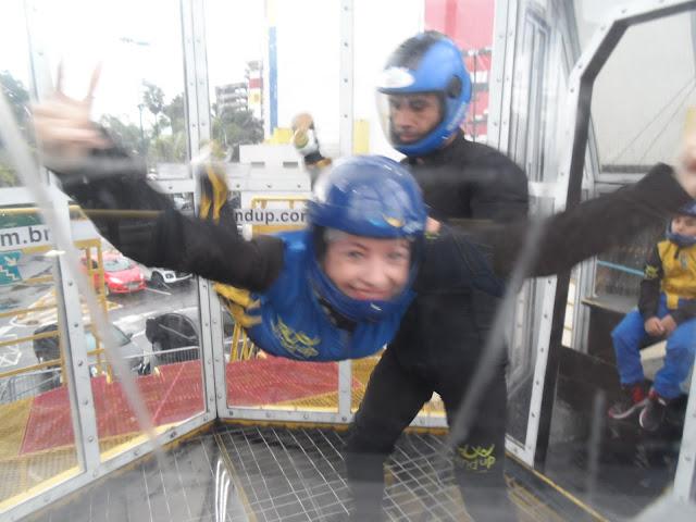 Wind up, túnel wind up, Shopping D, simulador de queda livre, simulador de paraquedismo, túnel de vento, sustentação do corpo, paraquedismo indoor, gravidade, como voar, salto de paraquedas, queda livre de salto de paraquedas
