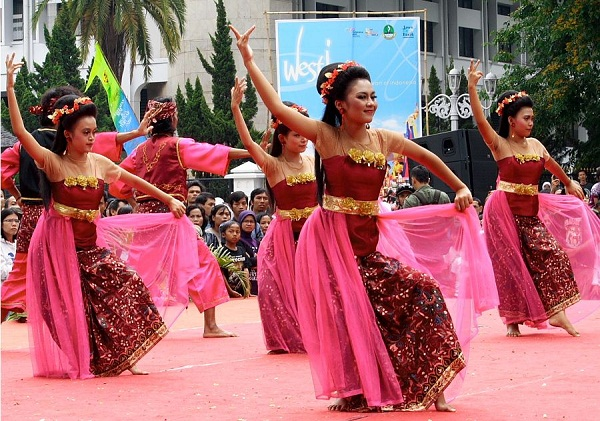 Sejarah dan Perkembangan Tari Jaipong Asal Jawa Barat
