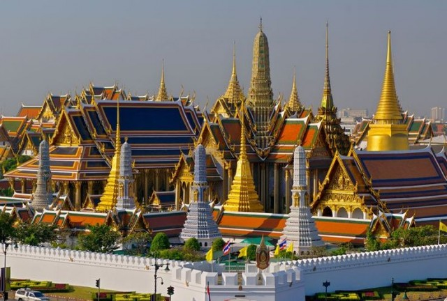 Visit 5 most well-known Buddhist temples in Thailand