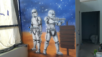MAlowidło ścienne wykonane na ścianie w sali zabaw, malowanie pokoi dziecięcych