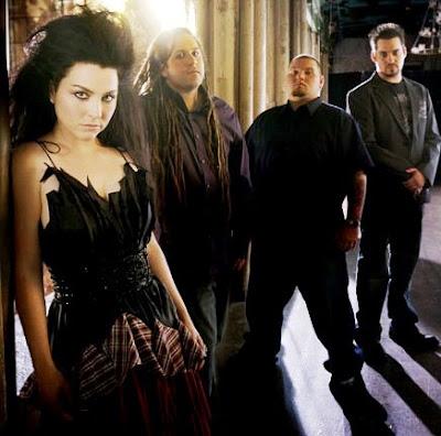 Foto de Evanescence con look a su estilo