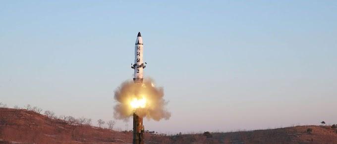 Coreia do Norte lança míssil em direção ao Mar do Japão