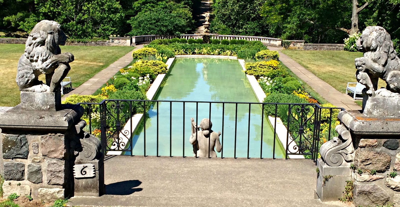 A GEEK DADDY: A Stroll Through the Cranbrook House Gardens