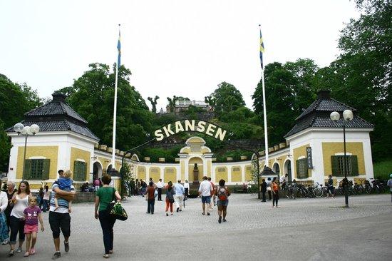 موقع حديقة الحيوانات سكانسن الموجودة بمدينة ستوكهولهم