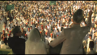 Christopher Lee as Muhammad Ali Jinnah, addressing a mass rally, in Jinnah, Directed by Jamil Dehlavi
