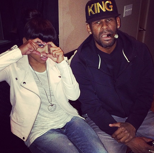 MediaZew: Keyshia Cole Hits The Studio With R  Kelly & Scott Storch