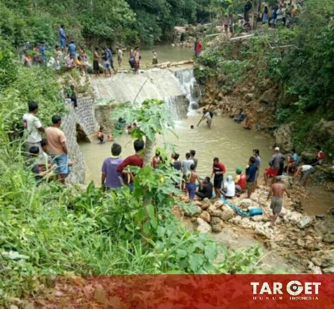 Mandi Di Sungai Kedung Bendo Jenggot, Satu Pelajar Kelas 4 SD Tewas Tenggelam di Dasar Sungai