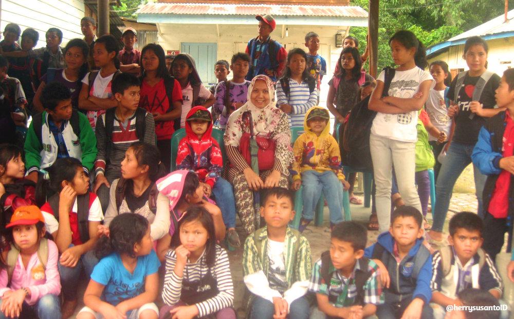 Anak-anak dari dolok sanggul ikut menikmati suasana kebersamaan