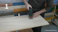Cortar el tablero de contrachapado para hacer la mesa. http://www.enredandonogaraxe.com