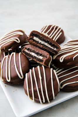 K'Mich Weddings - wedding planning - dessert ideas - chocolate oreos - delish.com