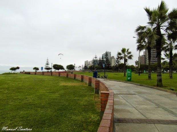 Lima, Miraflores, volo in parapendio