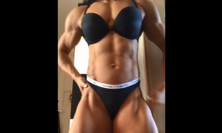 Video Big female muscle With Biggest Biceps