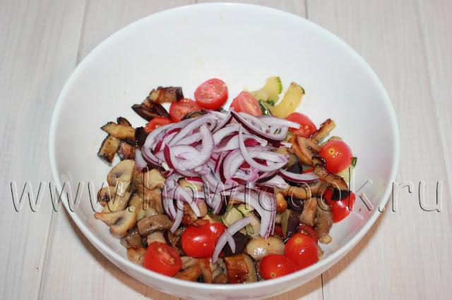 рецепт овощного салата с грибами и заправкой из хрена с пошаговыми фото