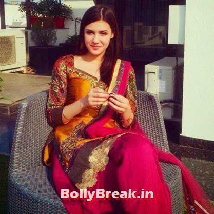 Punjabi Jatti Girl at a wedding in suit, Punjabi Jatti Girl Pics in Punjabi Suit