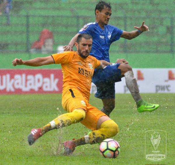 Pelatih Bhayangkara FC Soroti Buruknya Lapangan Stadion Gajayana