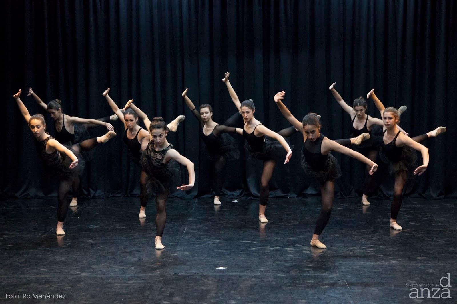 Centro Andaluz de Danza: Luces y sombras / Generaciones