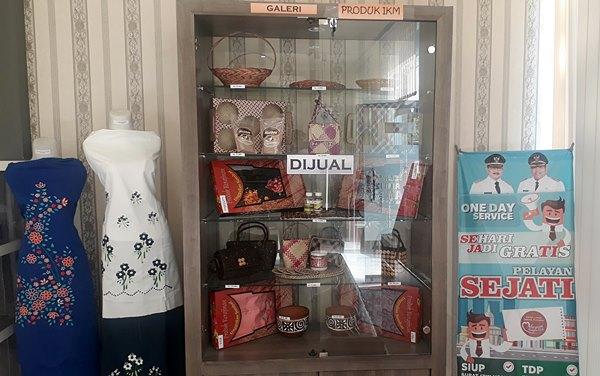 Produk IKM Padangpariaman Bisa Dibeli di Kantor Perizinan (DPMPTP)