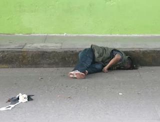 """Comerciante mata a sujeto """"cobrador de piso"""" en tianhuis de Rio Blanco"""