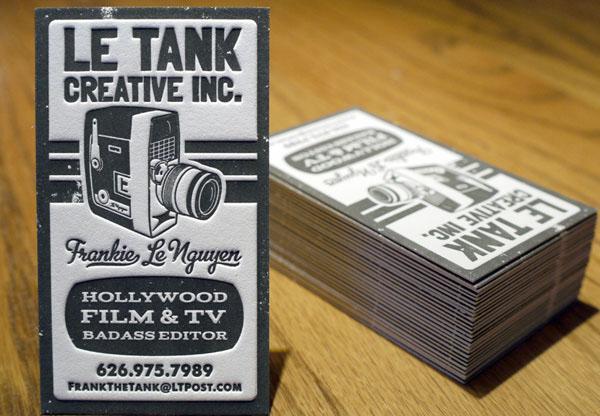 tips cara mendesain merancang membuat contoh kartu nama business card perusahaan portofolio sampel karya bagus keren kreatif percetakan digital printing offset berapa harga per box finishing sablon jenis kertas macam ukuran bahan fotocopy laminating desainer grafis proses tahapan tutorial aplikasi apa