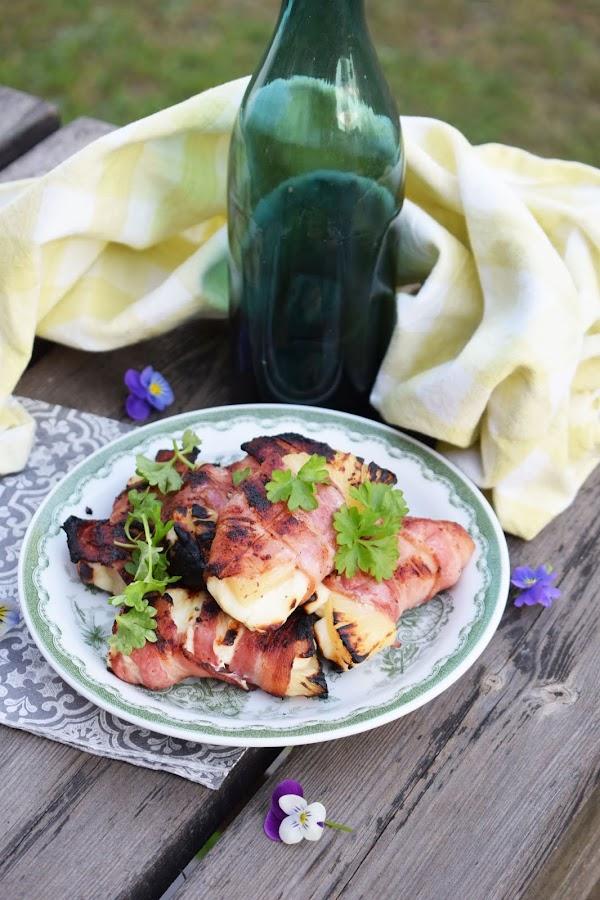 Baconlindad halloumi med ananas