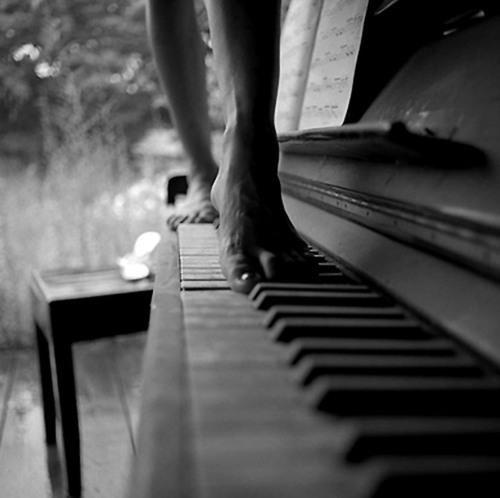 Strolling across piano keys
