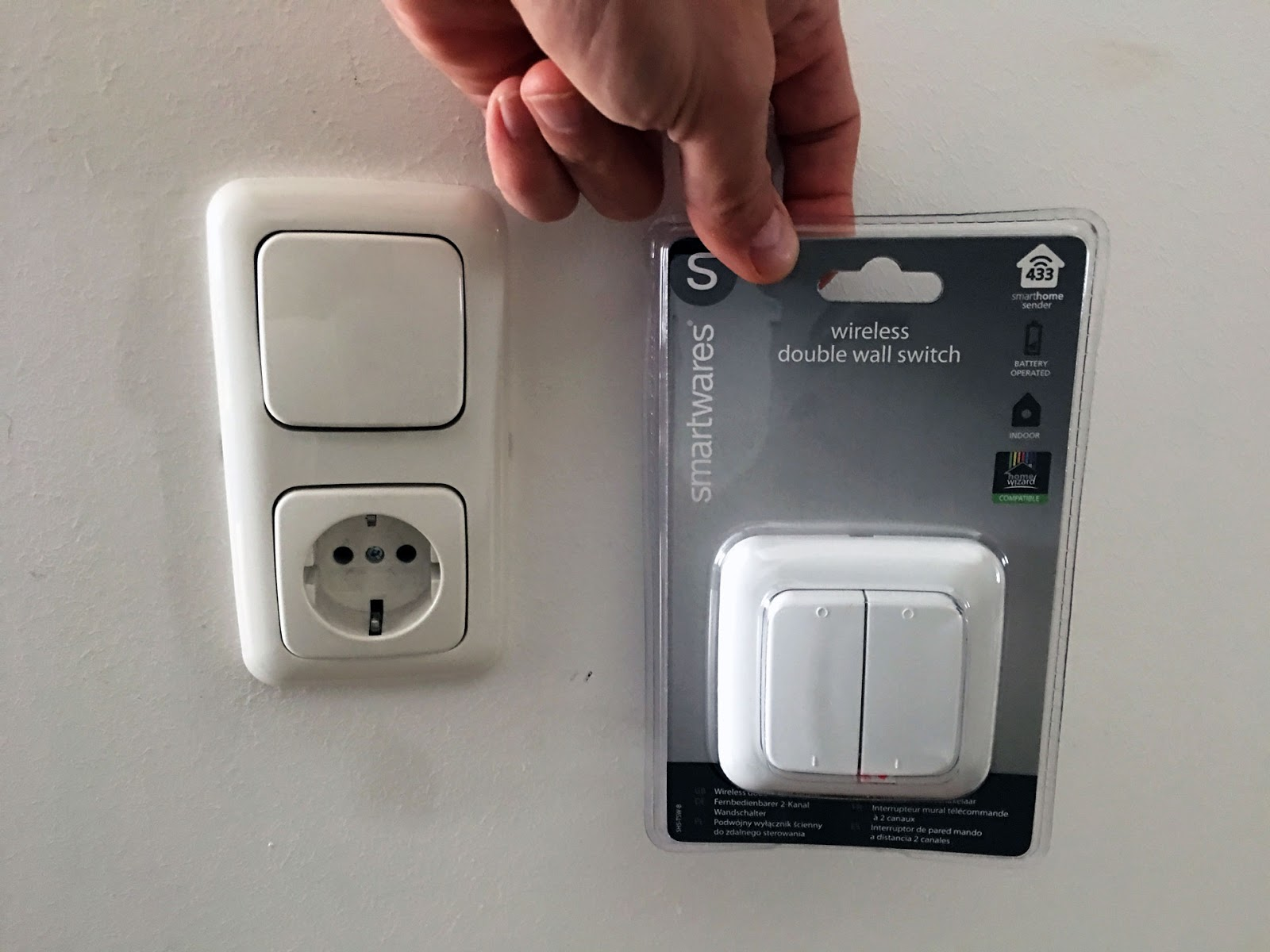 Joes Smarthome: Smartwares, Double Wall Switch, Wireless build-in ...