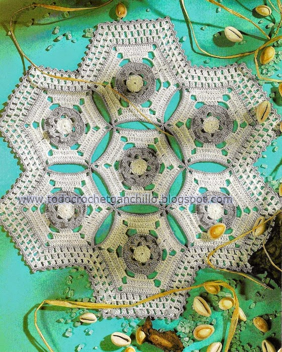 Carpeta base hexagonal con ganchillo