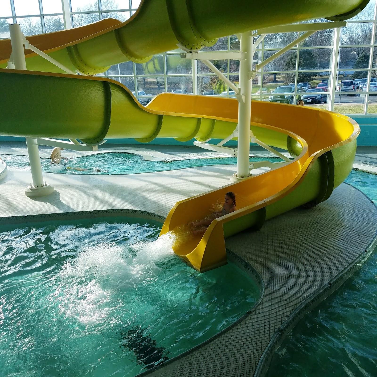 Play St. Louis: Ballwin Pointe Indoor Pool, Ballwin
